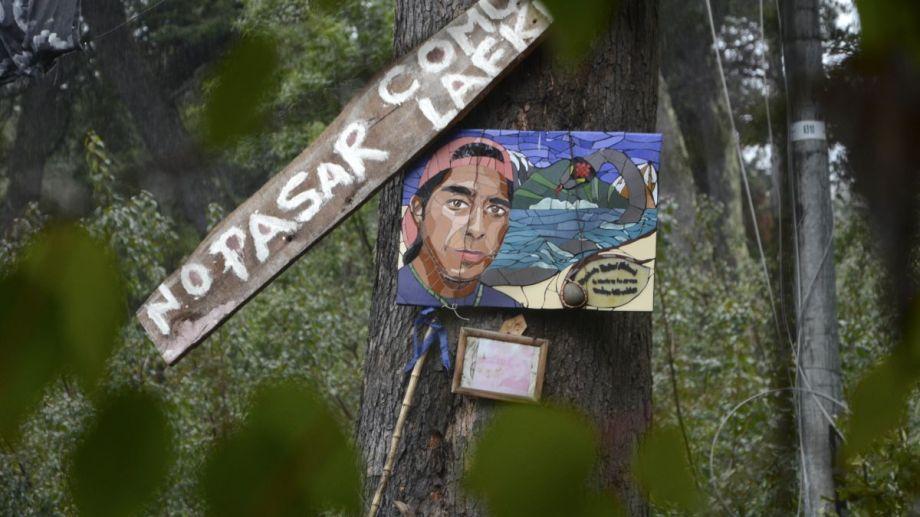 La comunidad mapuche Lafken Winkul Mapu se instaló a principios de noviembre de 2017 en dos predios de Parques Nacionales en Villa Mascardi y, después, expandió la ocupación a lotes particulares contiguos. (foto archivo)
