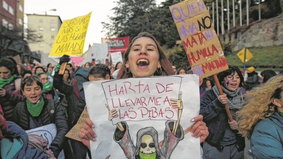 Se conoció un informe especial de la Oficina de la Mujer sobre niñas y adolescentes víctimas de femicidio.