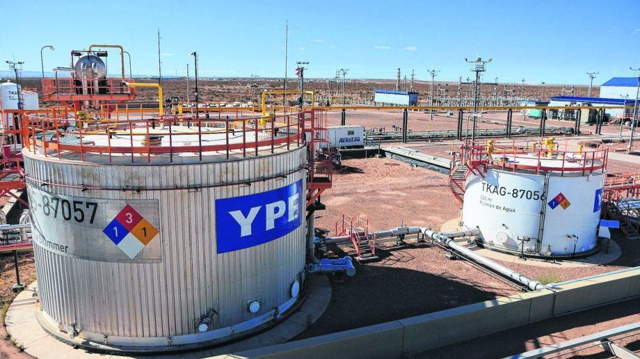 Una investigación ambientalen el sur de Buenos Aires develó el robo a gran escala de petróleo de un oleoducto de YPF.