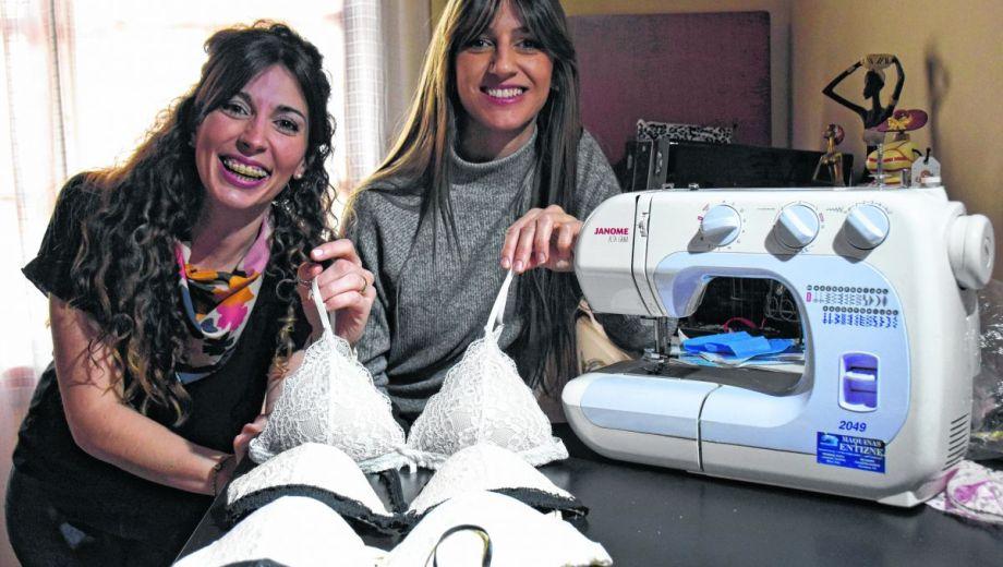 Antes de iniciar su emprendimiento, las chicas trabajaban cosiendo prendas para un local comercial. (Foto: Florencia Salto)