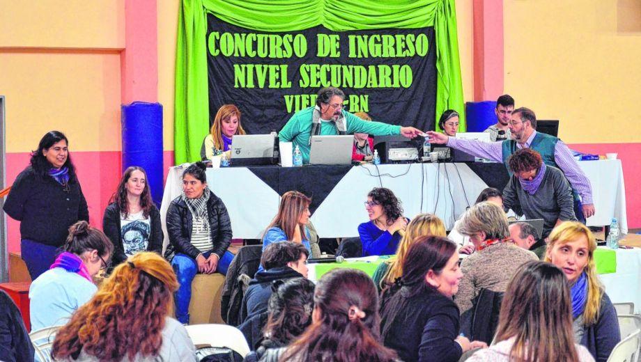 La asamblea de ayer en Viedma. La cronograma seguirá el lunes con San Antonio y finalizará el jueves en Ingeniero Jacobacci. (Foto: Marcelo Ochoa)