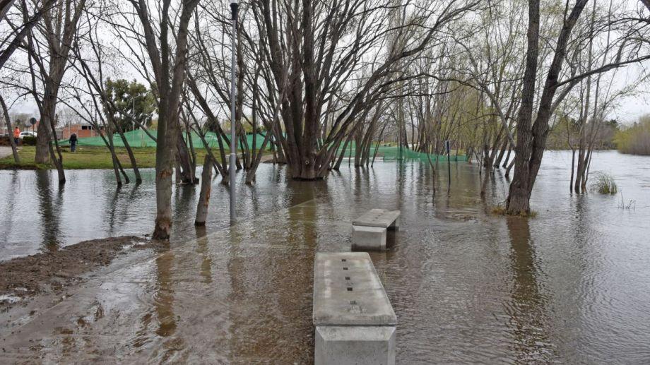 La extensión del Paseo Costero que fue cubierta por el río antes de ser inaugurada. Foto: Juan Thomes