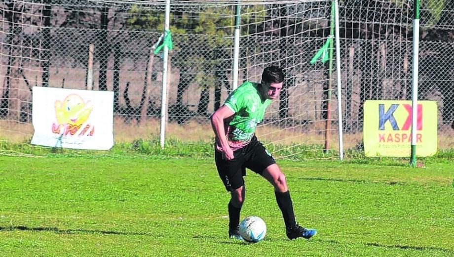 Matías Tanos le dio la victoria al Verde de Algarrobo.