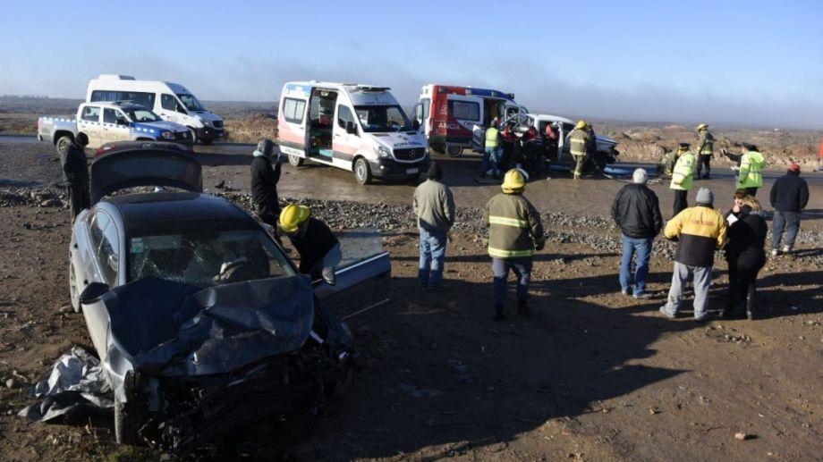 El choque de esta mañana en la Autovía Norte involucró a una camioneta y a un auto. (Juan Thomes).-
