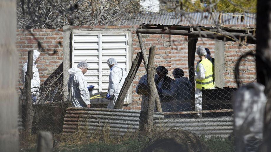 Personal de Criminalística allanó la vivienda donde se produjo la detención. Foto: Florencia Salto.