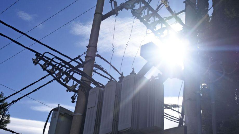 Este domingo Plottier estará sin luz por la salida de servicio de dos transformadores. (archivo Florencia Salto)