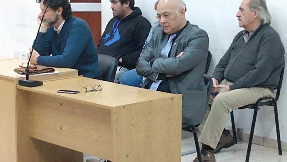 Juan Reggioni, su pareja Elba Maldonado, el hijo Diego Quintero, y Julia Susana Arellano Sánchez fueron encontrados culpables del delito de negociaciones incompatibles con la función pública. Foto: Agencia Cipolletti