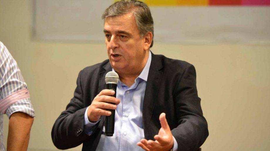 El líder radical Mario Negri pidió responsabilidad al Gobierno.
