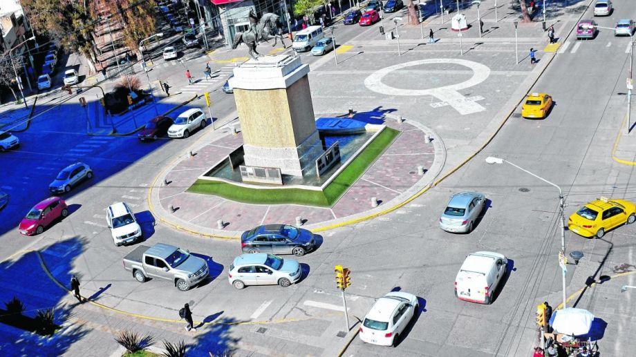 El monumento a San Martín es el punto desde donde Bouquet Roldán comenzó a diseñar la capital.