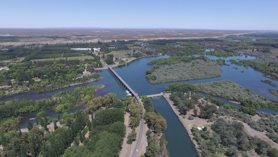 Vista aérea del Dique Ballester y Parque Victoria.