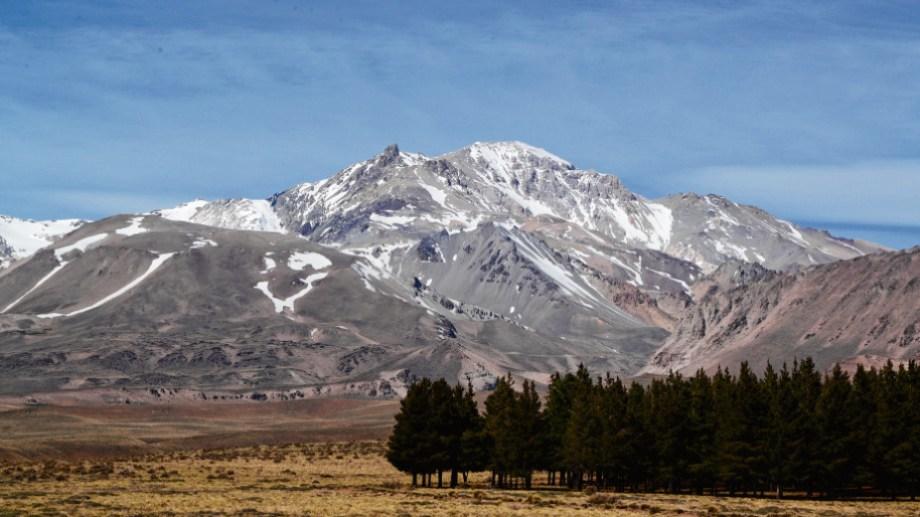 El sismo tuvo su epicentro a unos 50 kilómetros del volcán Domuyo.  (Foto: archivo)