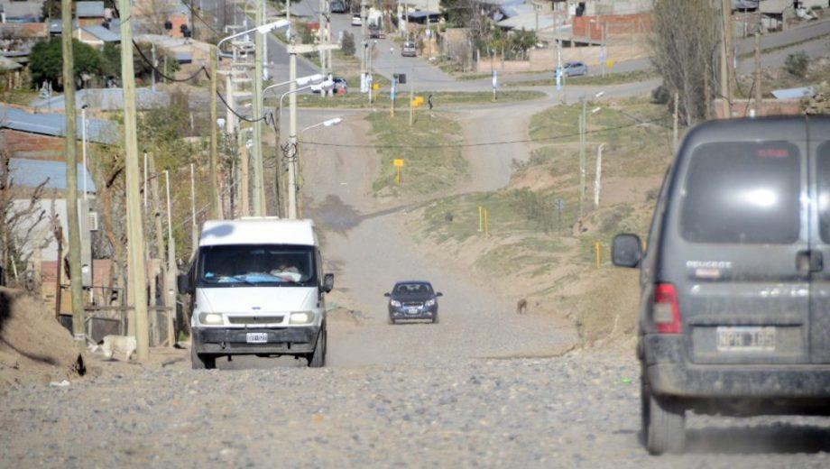 La calle que será impregnada con asfalto.  Foto: Prensa Municipal