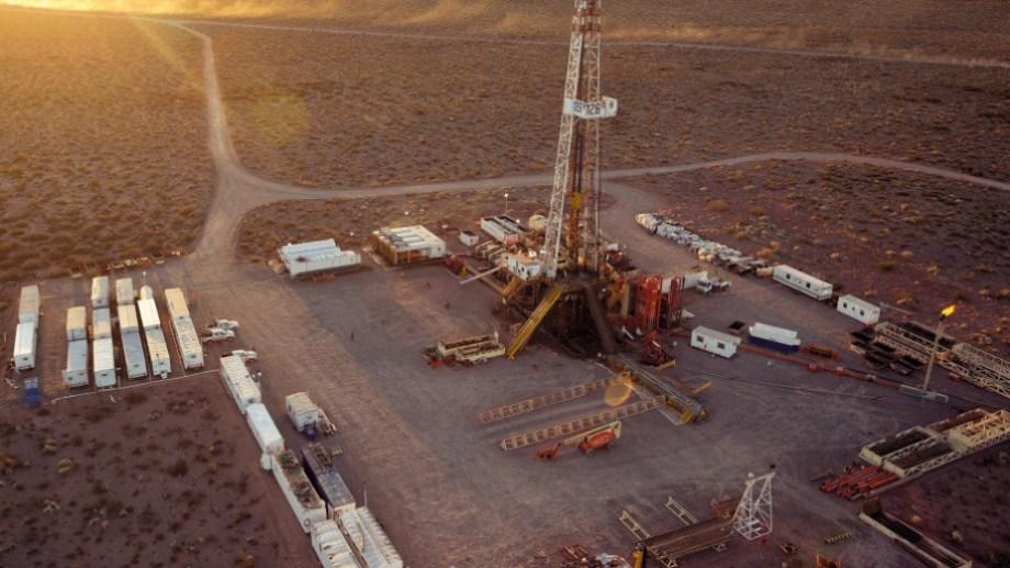 En agosto Vaca Muerta alcanzó un récord de producción de 104.000 barriles de petróleo por día.