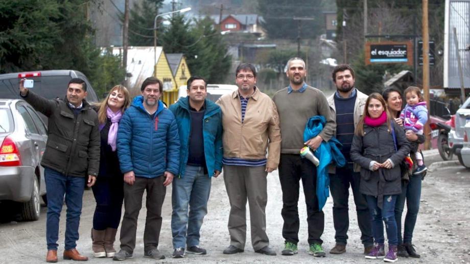 UNE llevará lista de concejales encabezada por Javier Carbonari (a la izquierda de Mansilla) como colectora de Todos. Foto prensa UNE