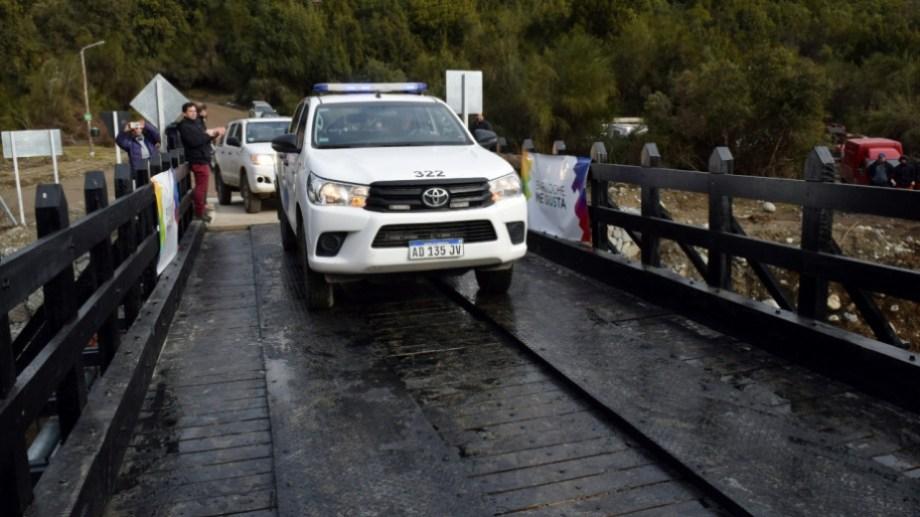 El llamado Puente Negro de Villa Los Coihues, en Bariloche, fue inaugurado el 20 de agosto. Archivo