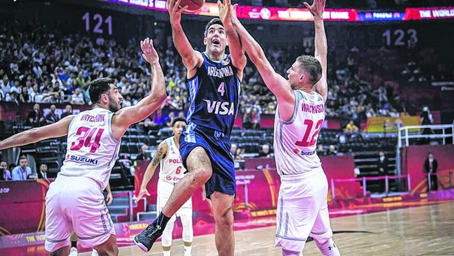 Luifa Scola fue la figura de Argentina con 21 puntos y 6 rebotes.