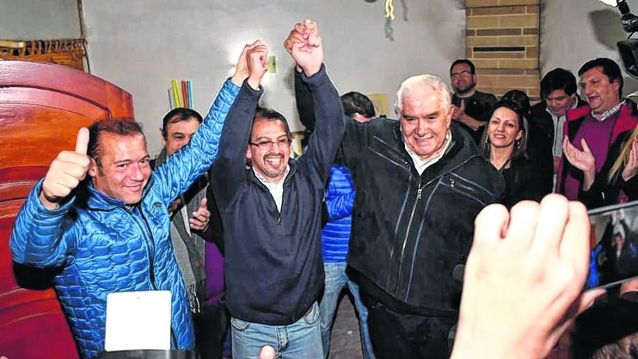 Suárez ganó las elecciones con mucha diferencia. Gutiérrez y Pereyra estuvieron en los festejos.