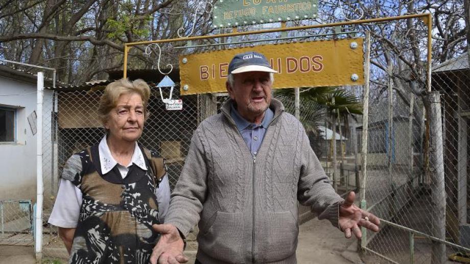 Esteban y Marta Zupanovich  abrieron el refugio de animales en su casa. (Archivo)