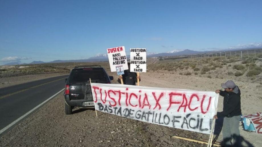 La familia de la víctima hizo varias manifestaciones en la ruta para pedir justicia por el joven. (Archivo)