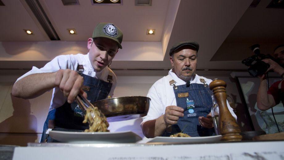 Chef locales iniciaron las clases magistrales en Bariloche a la Carta. Foto: Marcelo Martínez