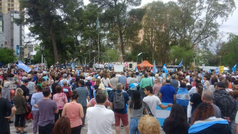 Los partidarios de Mauricio Macri se reunieron en el monumento a San Martín.