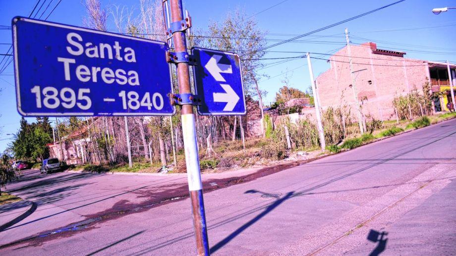 Aseguran que el lote está abandonado desde hace varios años y podría tener un fin social. Foto: Mauro Pérez.
