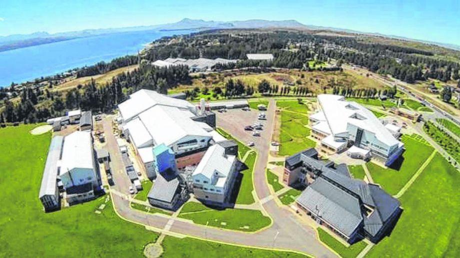 La sede central de la empresa, en la zona este de Bariloche. El grueso de sus 1.400 empleados trabaja allí.
