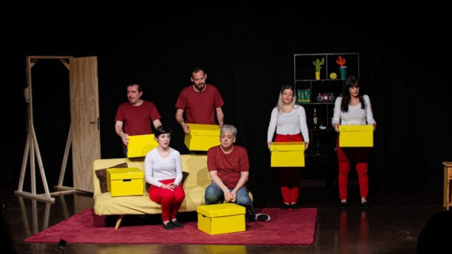 """""""Así de simple"""", una puesta teatral que habla de las relaciones humanas."""
