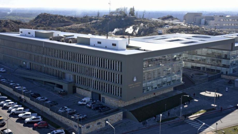 La desinfección de la Ciudad Judicial de Neuquén no abarca a los sectores de Fiscalía ni de Defensa. (Foto archivo: Florencia Salto.-)