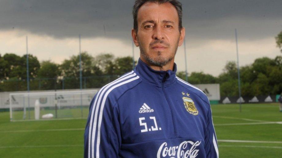 El entrenador de las juveniles llegará a Neuquén en noviembre.