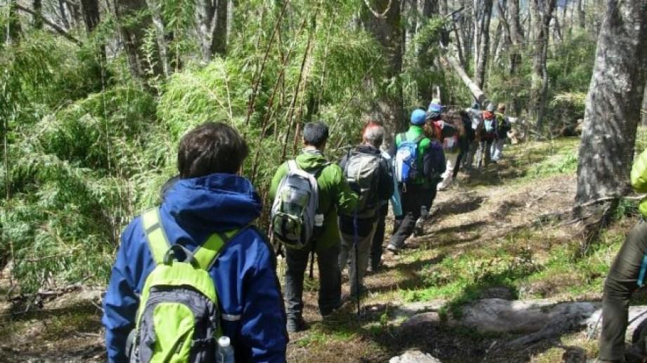 Bariloche tiene 450 kilómetros de senderos en la montaña. Archivo
