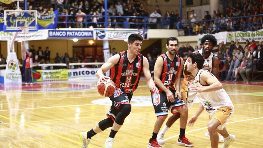 Viedma festejó en el primer clásico de la temporada que se jugó en el Cayetano Arias.