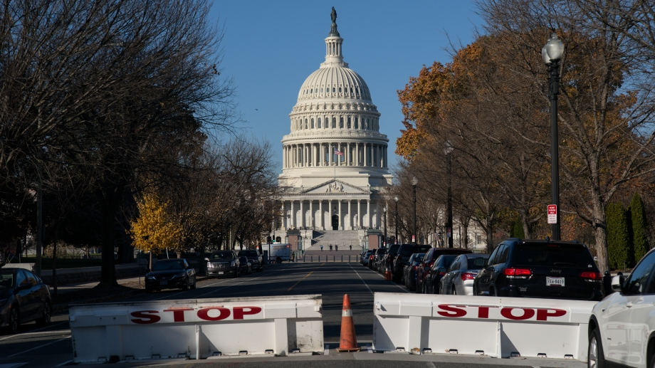Cierran la Casa Blanca al volar un avión no identificado sobre Washington