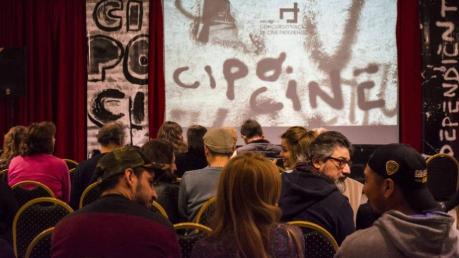 Cambio. El año pasado el Centro Cultural de la calle Toschi lo albergó y recibió al público que disfrutó de cada película proyectada.