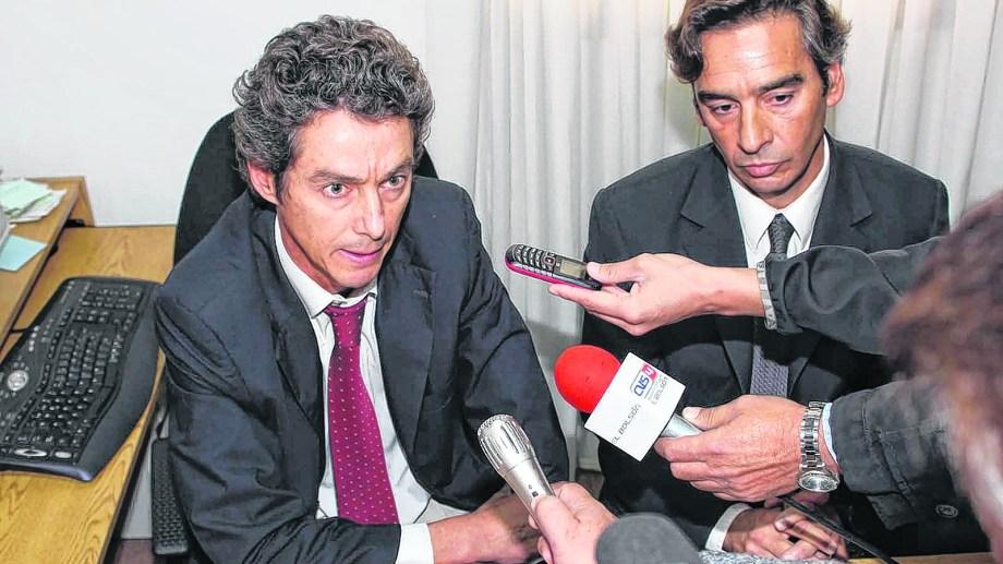 El fiscal jefe Martín Lozada junto al fiscal Francisco Arrien, de El Bolsón. Archivo