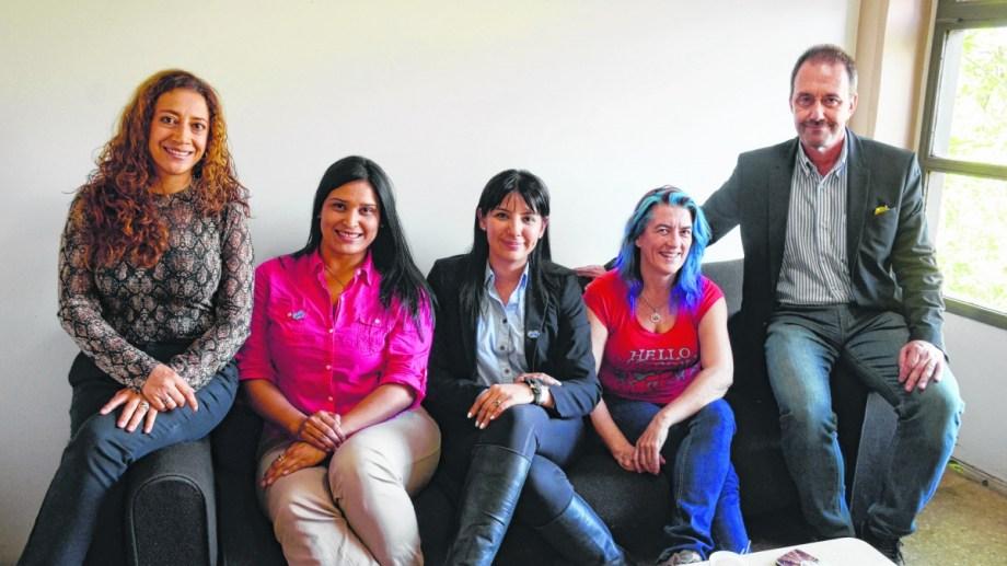 Está organizado por el comité directivo de Women In Energy.