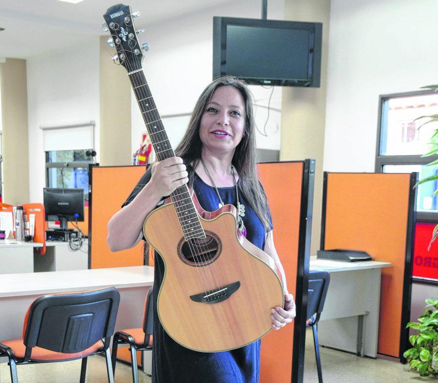 Macarena Montovi: exploradora de la música del mundo desde las orillas del Limay - Diario Río Negro