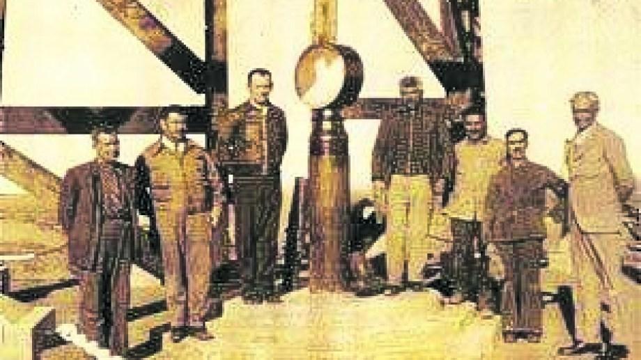 El 29 de octubre de 1918 se descubrió el petróleo en Neuquén.