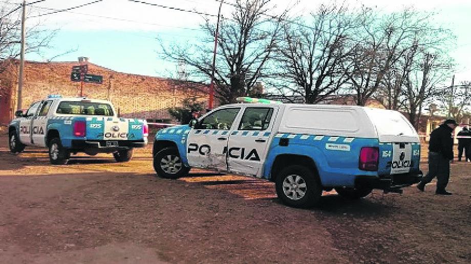 La policía de Zapala trabajó en las pericias luego del ataque. Foto: Archivo
