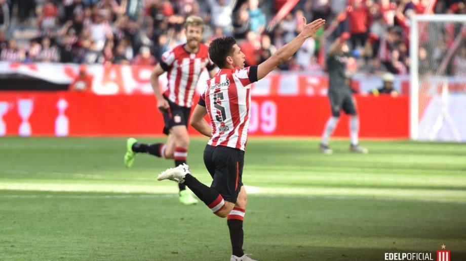 Mura le convirtió su primer gol a Central en la victoria de Estudiantes 3-0. (fotos: Facebook Estudiantes de la Plata)