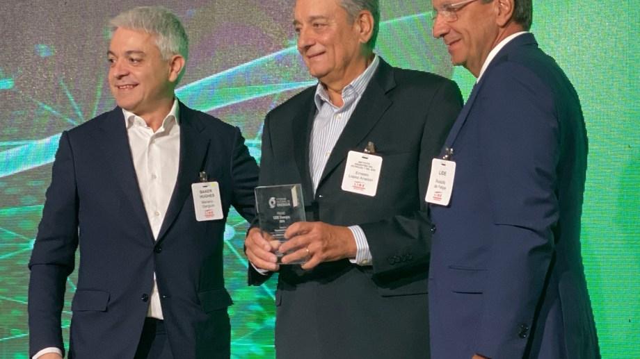 Ernesto López Anadón recibió el Premio LIDE Energía 2019 por su trayectoria.