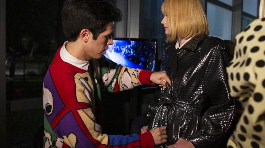 Santiago Artemis, una estructurada Ushuaia a brillar en el mundo de la moda por su libertad creativa.