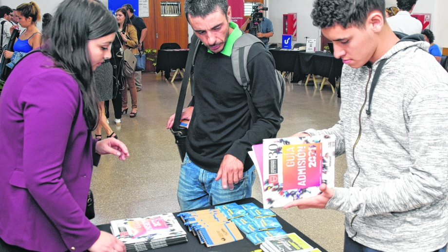 La feria académica pone el énfasis en Latinoamérica.