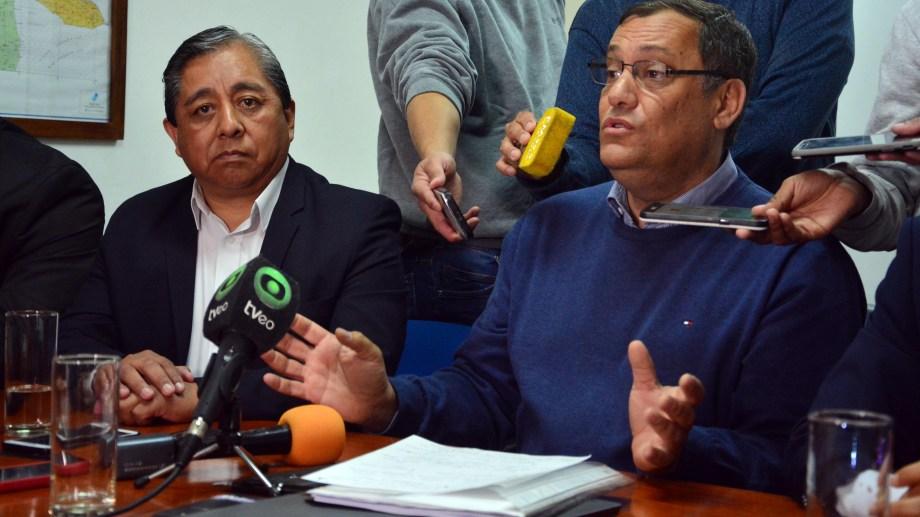 El legislador Iud y el intendente Ojeda ofrecieron una conferencia de prensa. Foto: Marcelo Ochoa.