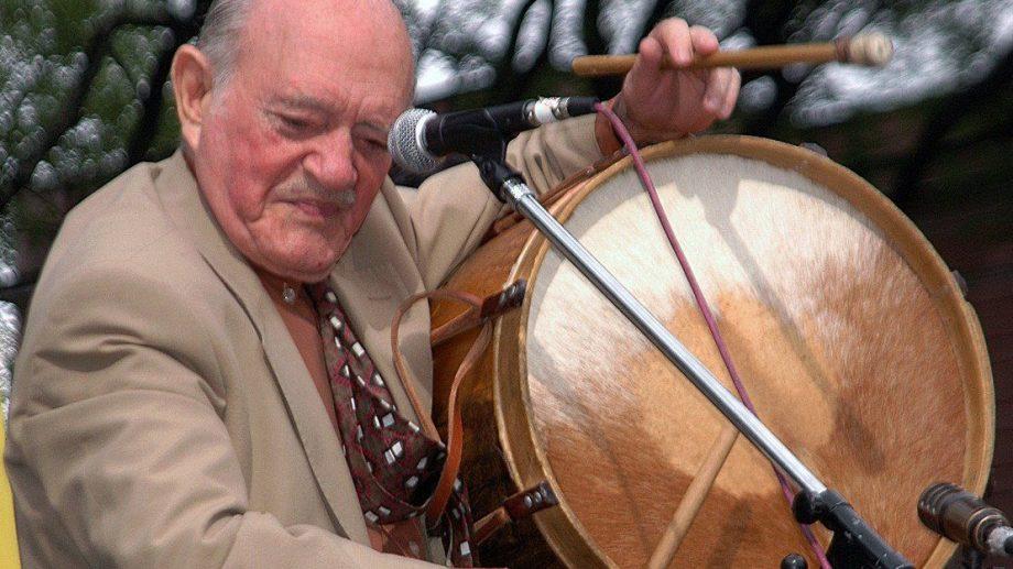 Vitillo Ábalos, el caballero del folclore.