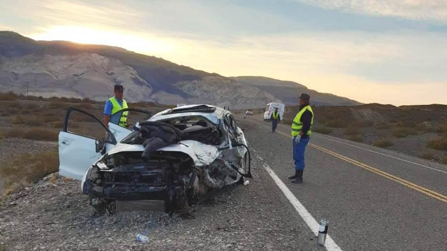 El choque ocurrió sobre la Ruta 40, en el kilómetro 2724. (Foto Gentileza FM Ilusiones).-