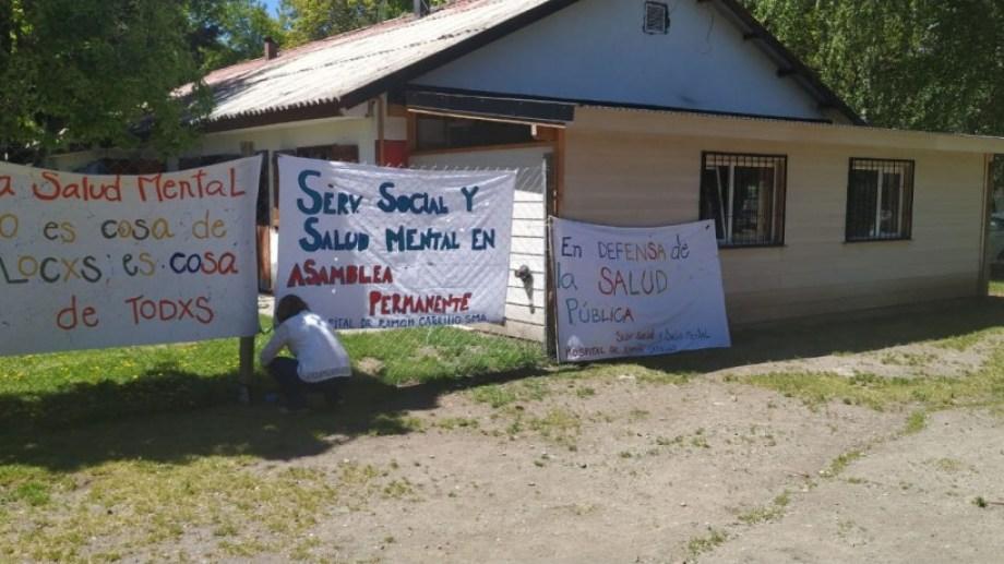 El Servicio Psicosocial del Hospital Carrillo de San Martín de los Andes ingresa este lunes en su cuarta semana de medidas de fuerza. (Gentileza)