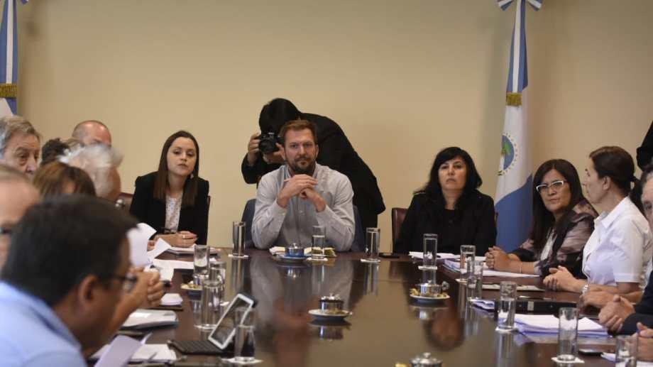 El ministro de Producción, Facundo López Raggi, fue el encargado de defender el proyecto en la comisión. Foto: Juan Thomes.