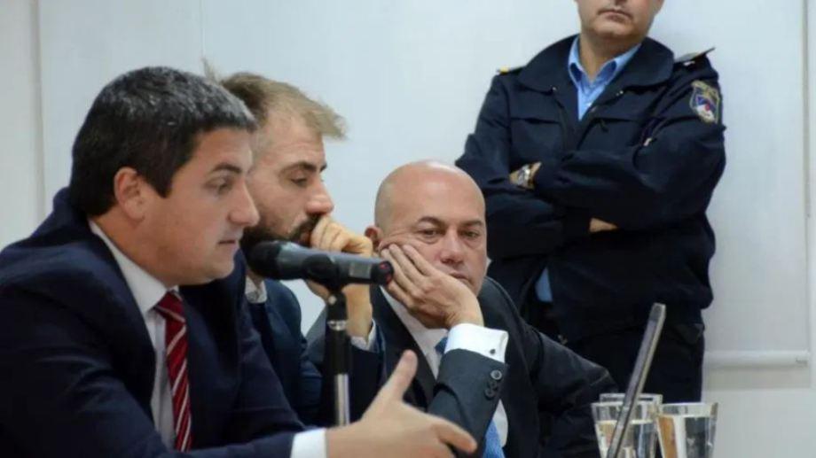 Juan Coto, primero de la izquierda, el abogado particular que recusó a la jueza Lorenzo.