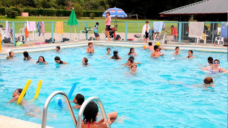 La colonia de vacaciones para chicos del gremio mercantil en Bariloche tiene piscina. Gentileza